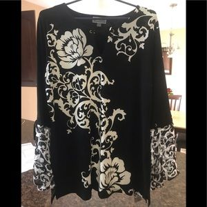 Gorgeous JM Collection Top Size Large